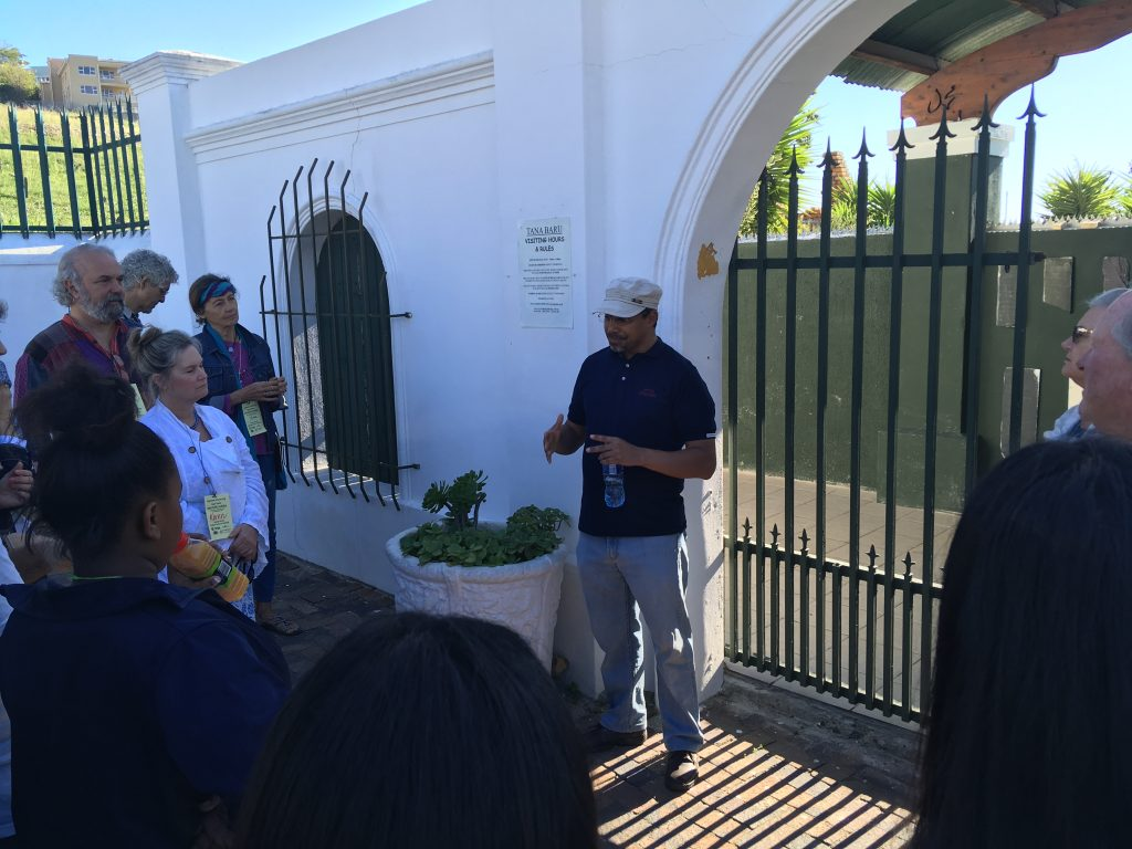 Mohammad Groenewald briefing the group at the entrance of Tanu Baru
